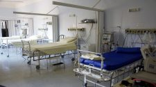 Descartan habilitar camas hospitalarias para pacientes COVID-19