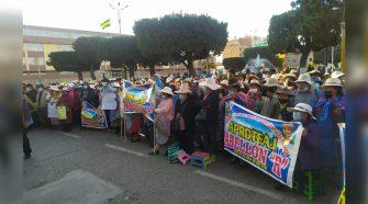 En Juliaca, artesanos protestaron en contra del alcalde provincial